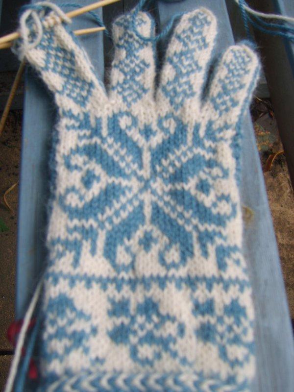 Doomed glove